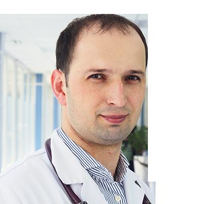 Заведующий поликлиникой Лечебно-реабилитационного центра Минздрава РФ, терапевт, пульмонолог, врач высшей категории Эльдар Ражидинович Гусейнов.